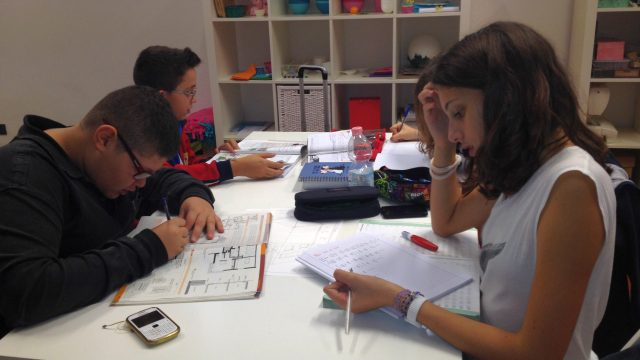 Punto e accapo – L'Officina dei compiti in azione
