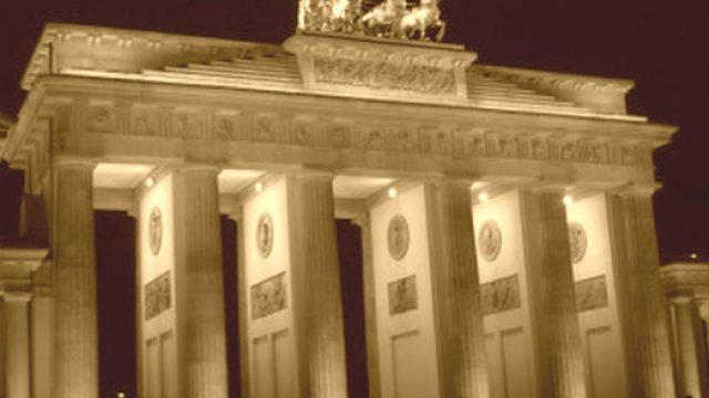 Punto per Punto – Addio a Berlino, benvenuto Club di lettura
